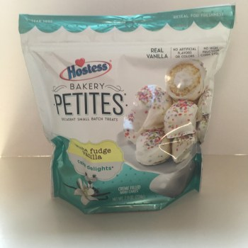 Hostess Bakery Petites White Vanilla fudge (224g) from Auntie ammies American Candy Shop