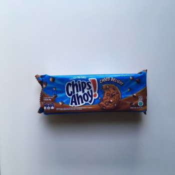 Chips Ahoy Choco Delight Cookies (84g) from auntie Ammies American Candy shop