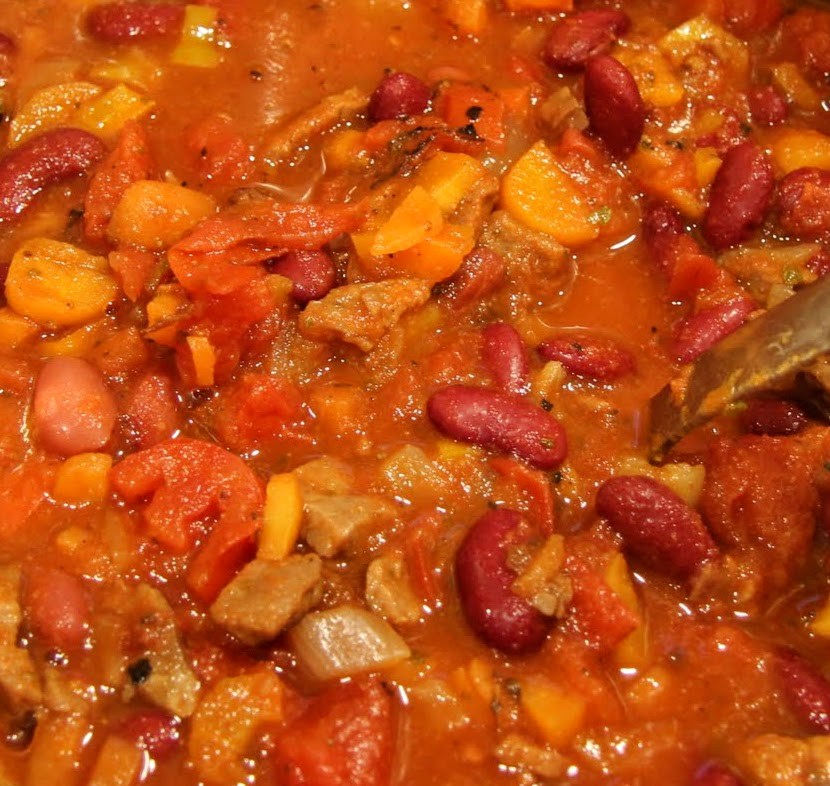 Chipotle Beef and Red Bean Chili - Auntie Chatter
