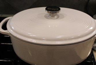white Lodge Dutch oven