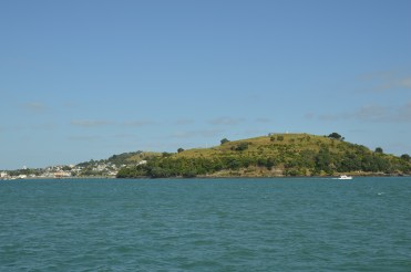 Mount Victoria in the back, North Head in the front. Both are extinct volcanoes
