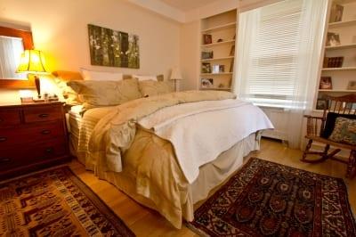 auntie stress bedroom