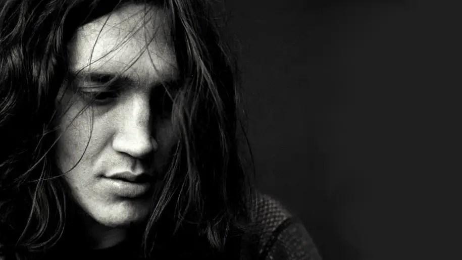 John Frusciante: storia di una anti-rockstar in cerca di autenticità