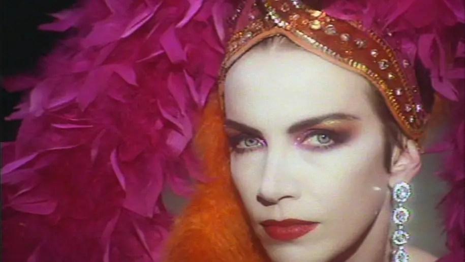 Annie Lennox, Why: il significato di una canzone piena d'orgoglio