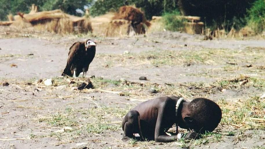 La Bambina e l'Avvoltoio: la foto che uccise Kevin Carter