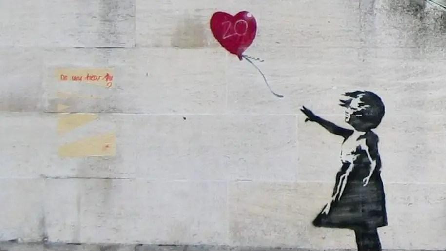 Banksy: le migliori opere e il significato della sua arte