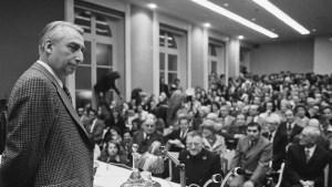 """""""Il Neutro"""" di Barthes come bioestetica testuale"""