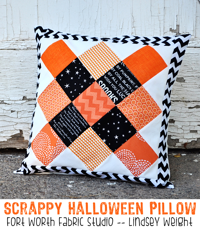 Simple-and-ADORABLE-Scrappy-Halloween-Pillow-tutorial-on-lilluna.com-