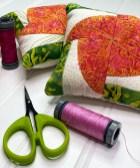 Kismet Pincushions w thread and scissors