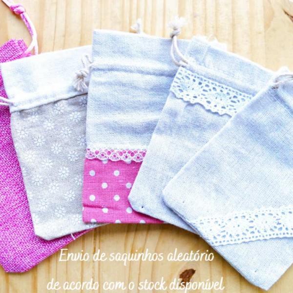 Embrulho de saquinhos de tecido