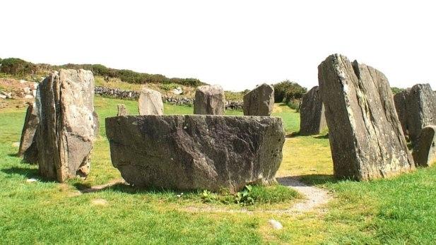 recumbent-axial-stone-opposite-entrance-portal-drombeg-stone-circle-ireland