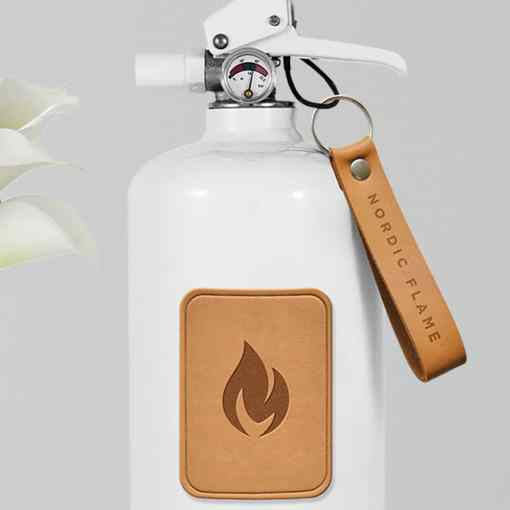 Feuerlöscher mit hellem Leder von Nordic Flame
