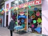 """Bekannter Laden in Amsterdam: """"Kitsch Kitchen"""". Der Name ist Programm"""