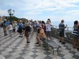 Heerscharen von Touristen in Taormina. Da blieb nur die Flucht