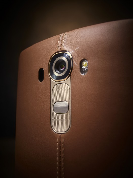 LG G4 Leather w Camera