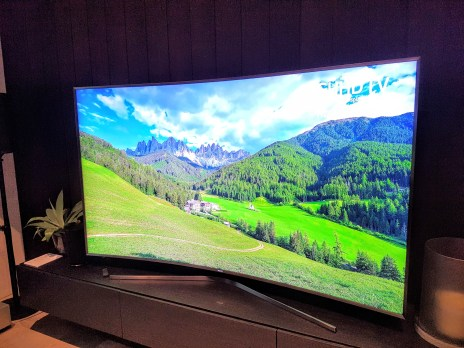 Samsung-2016-TV-largest-curved