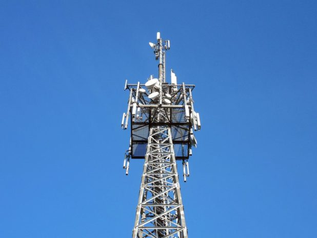 transmission-tower-1017149_1920