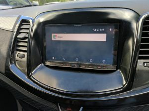 Is Google bringing Waze (and other mapping) to Android Auto