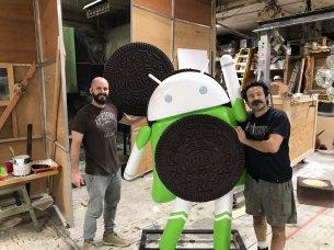 Android Oreo Super hero statue 2