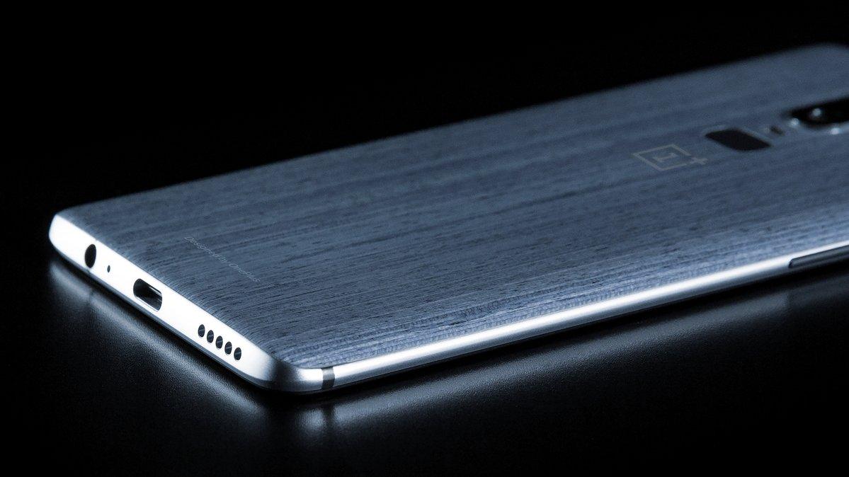 OnePlus 6 leaked image reveals headphone jack and rear fingerprint sensor