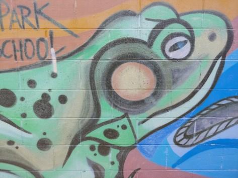 g7-thinq-wide-street-art