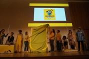 Spannung - alles ist gelb, aber wie sieht das Logo aus?