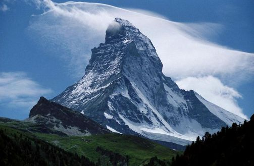 Peak_of_the_Matterhorn,_seen_from_Zermatt,_Switzerland