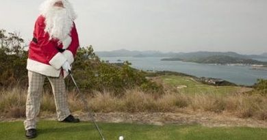 'Twas the day before Christmas on the golf course…