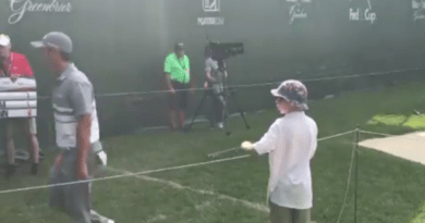 Danny Lee gifts golf fan his putter after missing cut