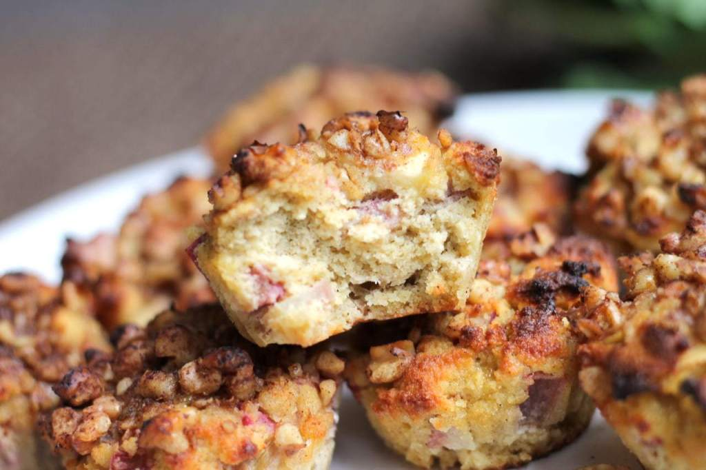 Keto Apple rhubarb muffins