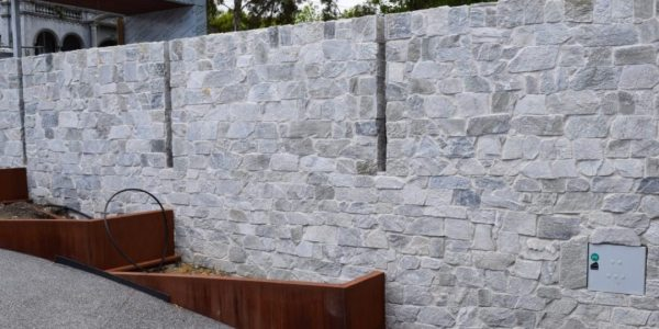 Aussietecture Beltana walling limestone used for contemporary house exterior walls