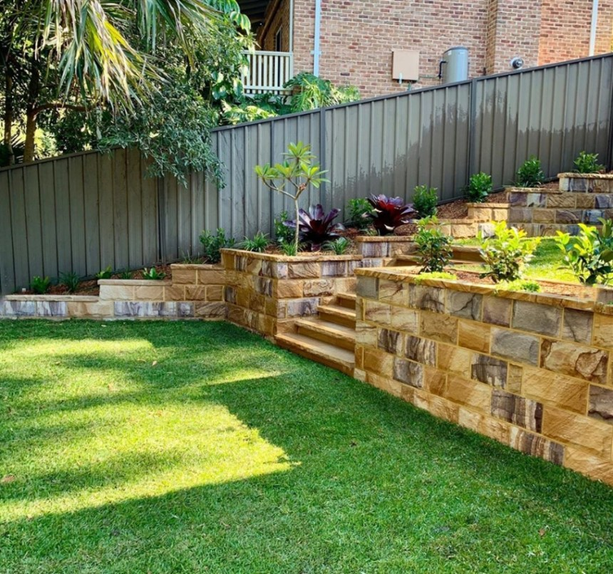 Split blocks, Australian sandstone walling, rock face claddings, rock face veneers, rock face stones