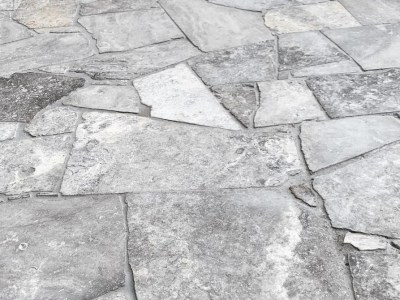 Crazy paving Silverton Travertine