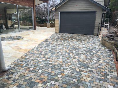Quorn Quartzite Cobblestone in a house driveway project