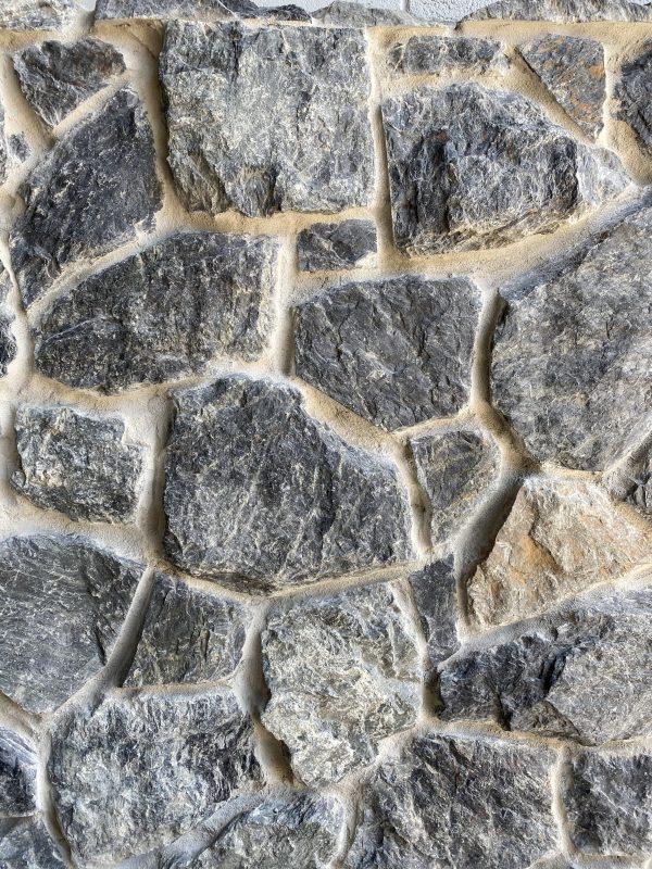 Australian limestone wall cladding - Maali Irregular
