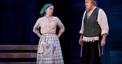 Fiddler on the Roof. Sigrid Thornton, Anthony Warlow. Photo by Jeff Busby