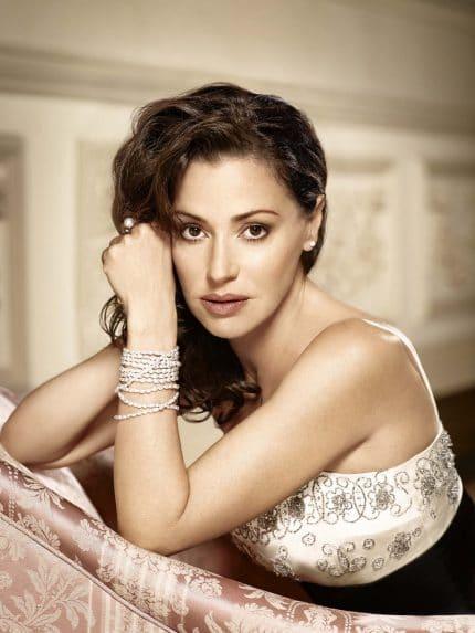 Tina Arena will play Eva Peron in Evita.