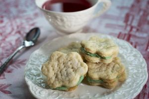 tea and green cookies