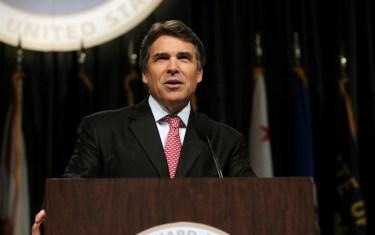 Perry Ducks Obama in Austin, Demands Border Showdown