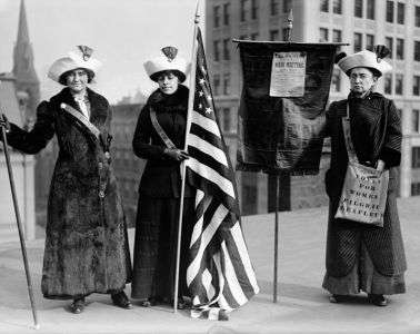 https://commons.wikimedia.org/wiki/File:The_Library_of_Congress_-_(Suffragettes_with_flag)_(LOC).jpg
