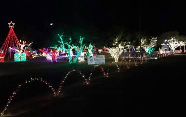 Maywald Christmas Light Display