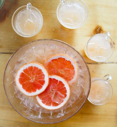 Grapefruit punch bowl mimosasv