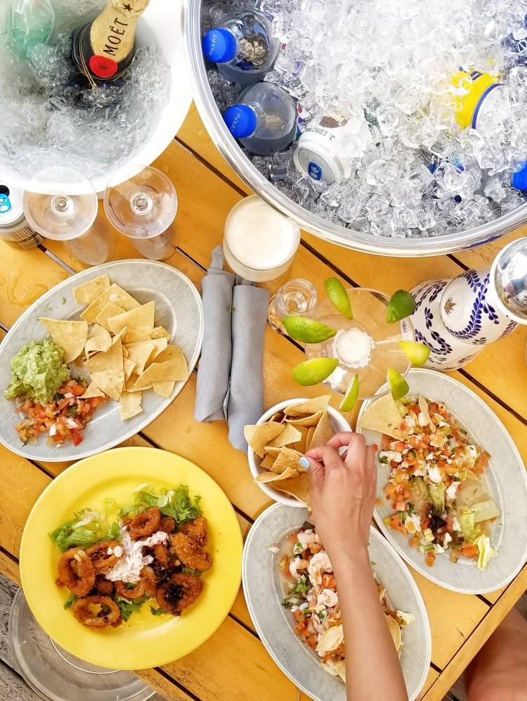 Unico Resort dining