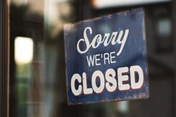 restaurant closed-sign