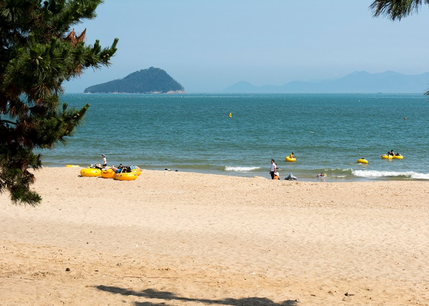 Sinji Myeongsasipri Beach