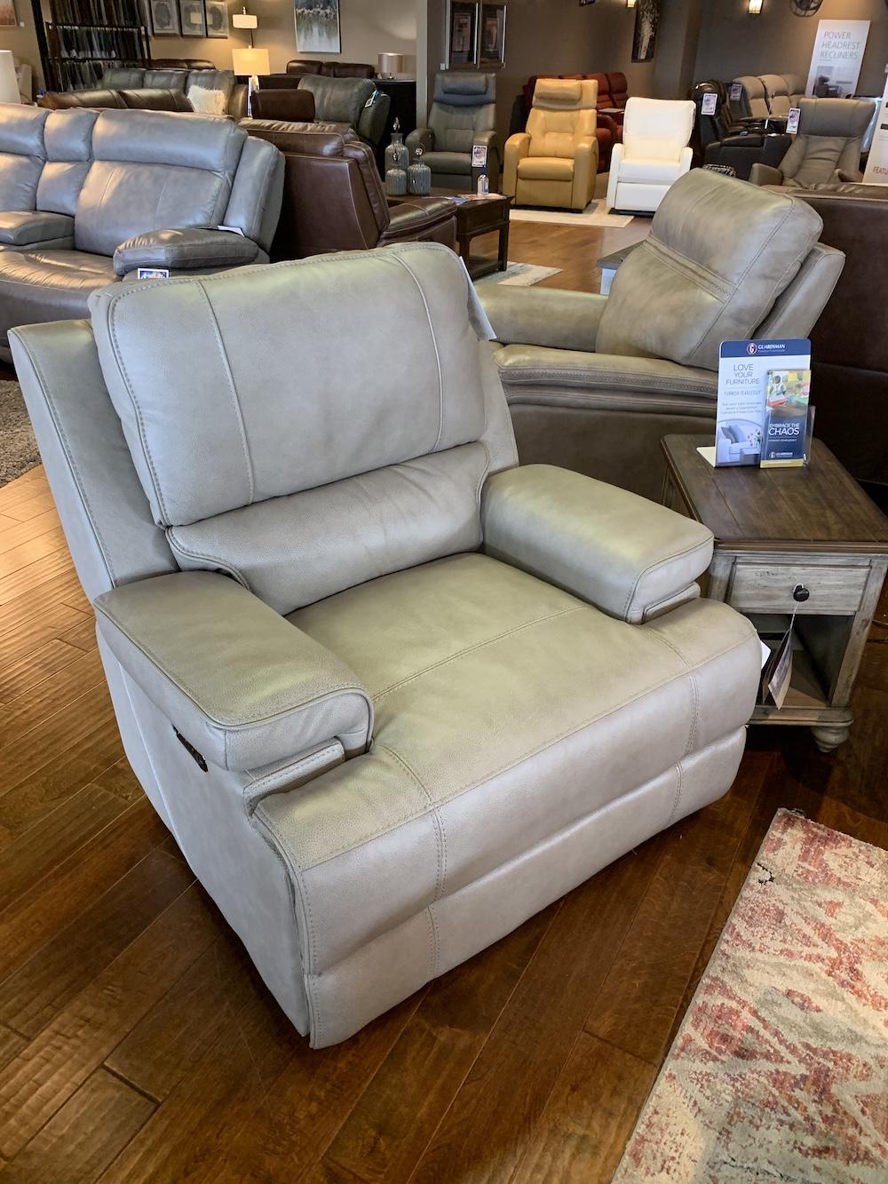 Bassett Club Level Parker Recliner Furniture