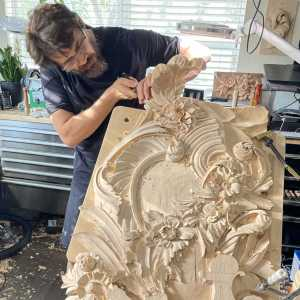 wood carving instructo