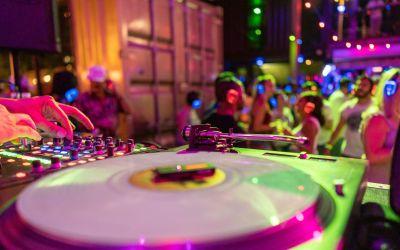 How Do Silent Disco Headphones Work?