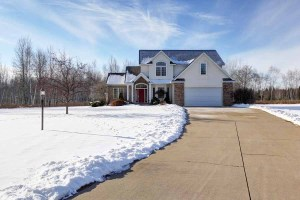 Home for sale in Kronenwetter, WI