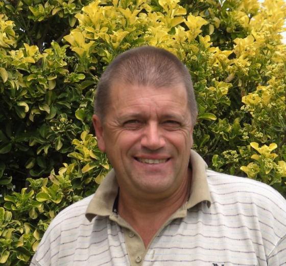 Mr Tony Pettitt
